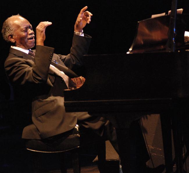 ©KRIS KING: Hank Jones, Montreal Jazz Festival 2008